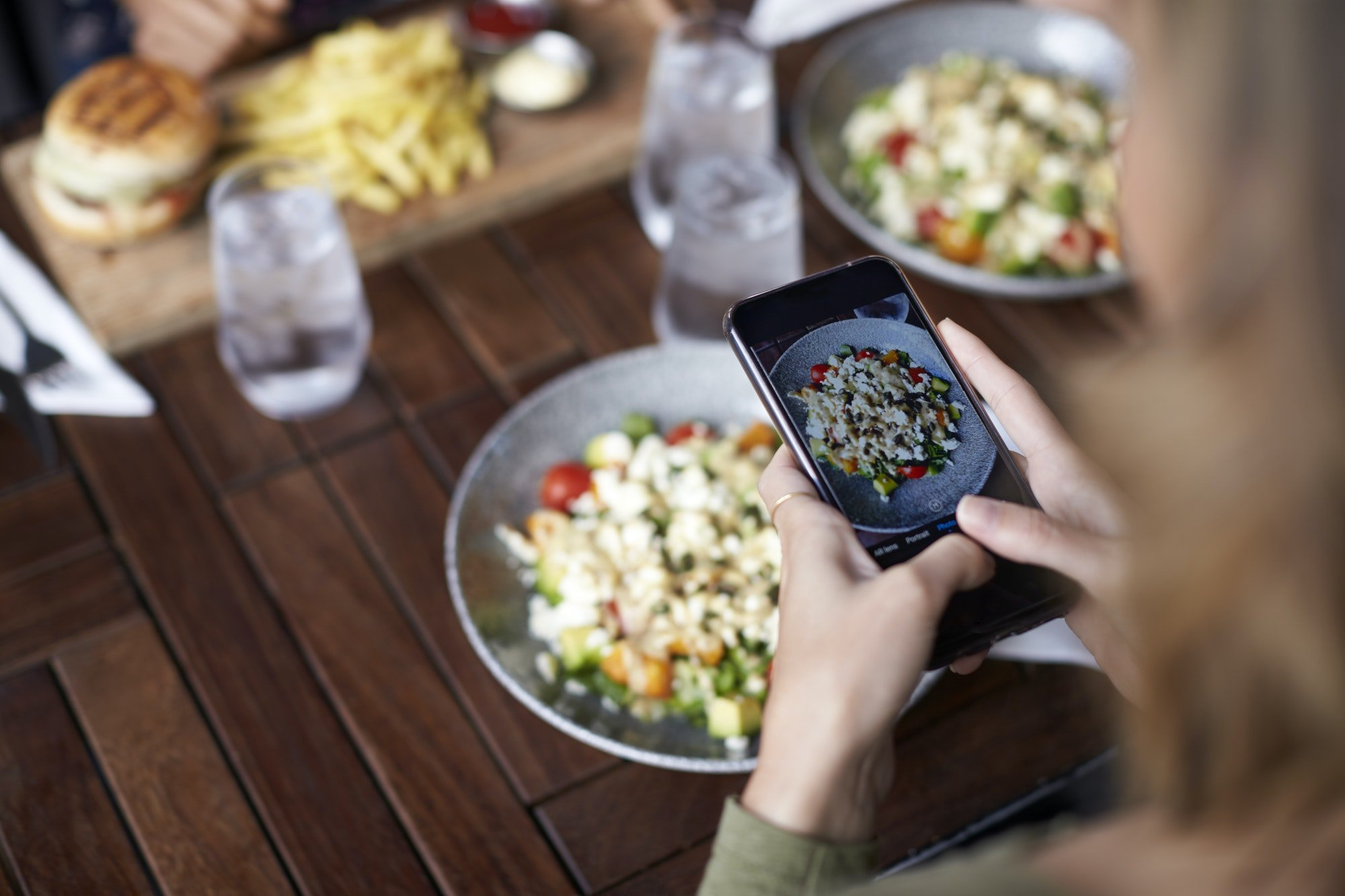 Restaurants and Social Media in 2021: Where Eateries Are Most Active
